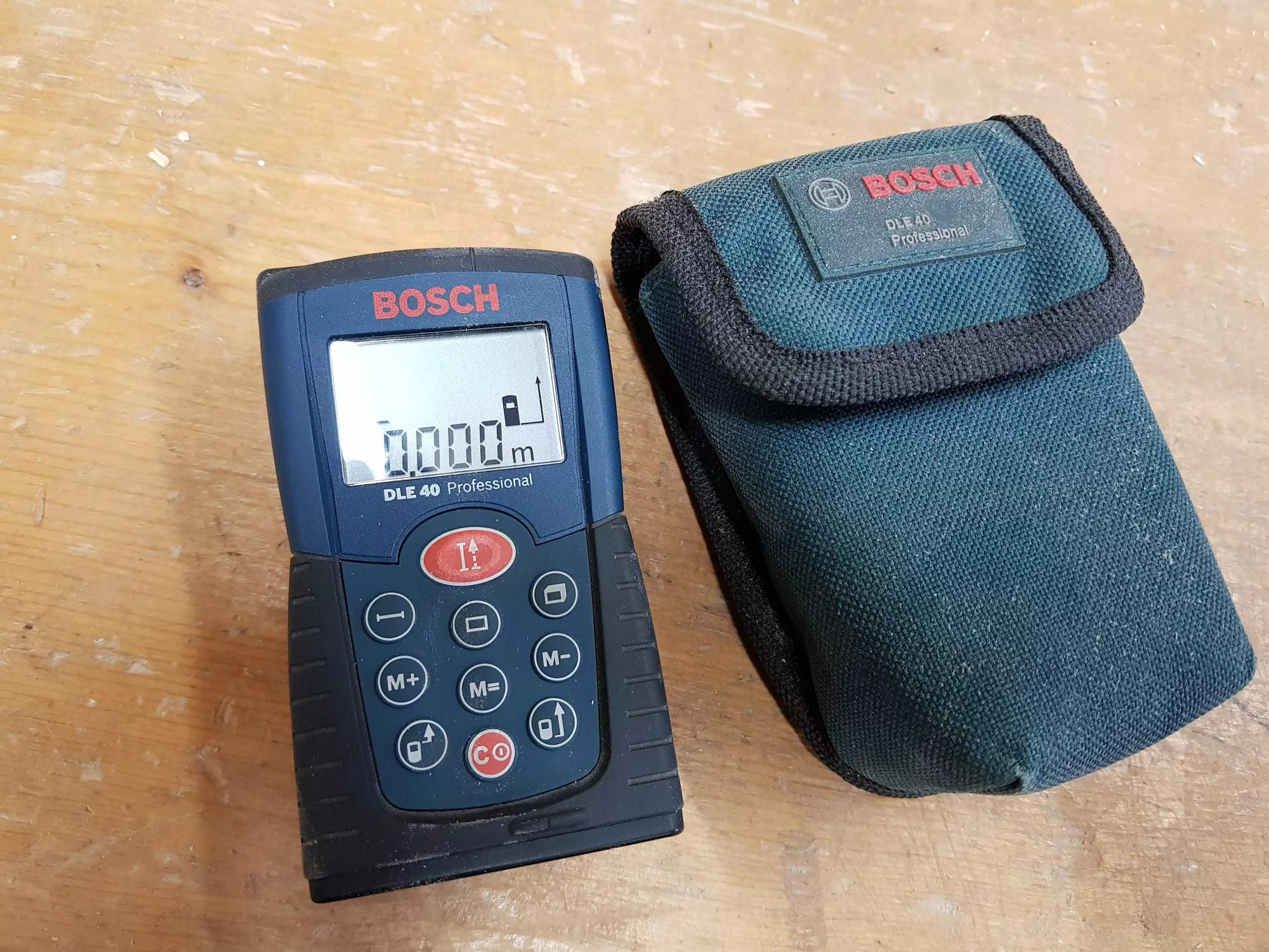 Bosch Entfernungsmesser Dle 40 : Övg versteigerungen artikel nr bosch laser